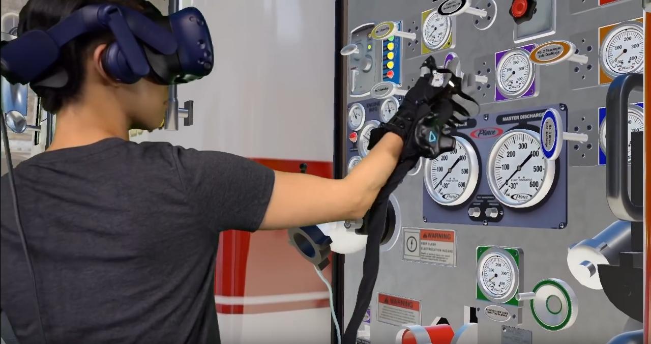 HaptX-VR-Gloves-Training-Dev-Kit